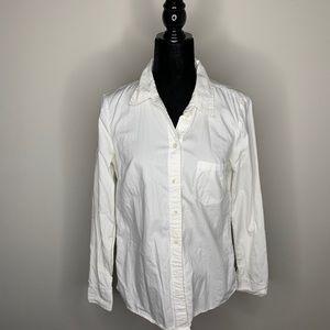 Bundle of Gap Size Medium Button down shirts